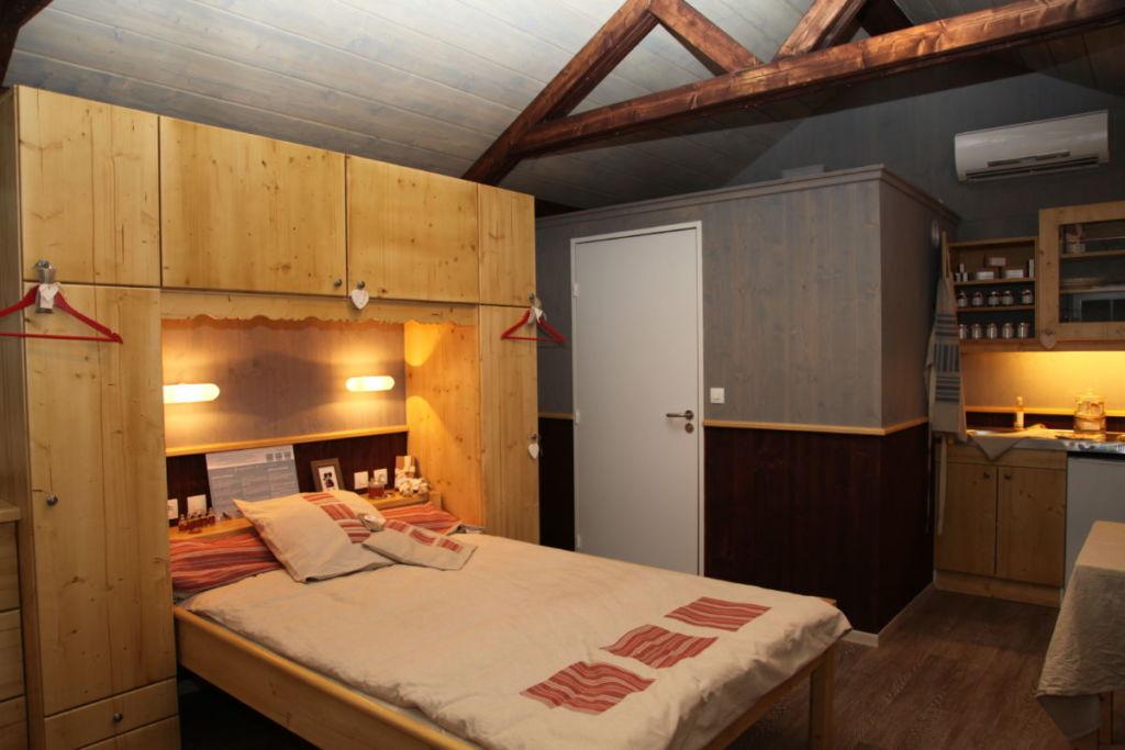 aménagement intérieur mini chalet habitable de loisir