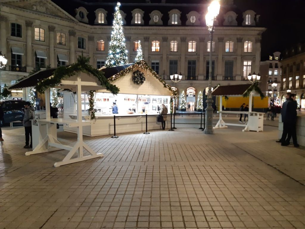 Chalet de Noël et équipements au RITZ Paris