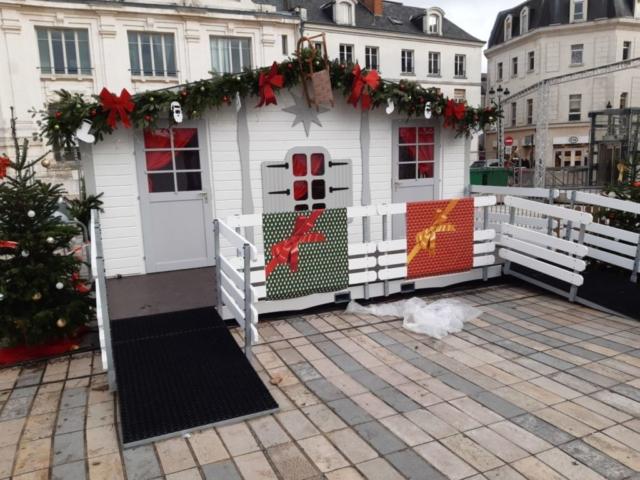 Maison du Père Noël RSUTYLE à Orléans