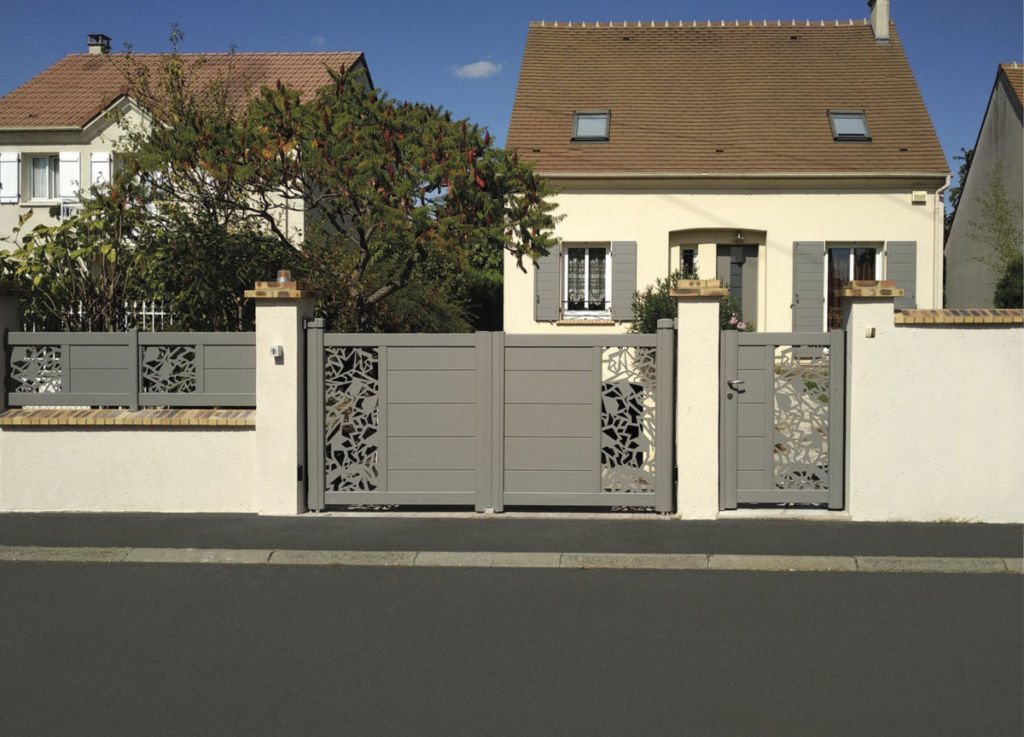 Portail, portillon, clôture en aluminium thermolaqué gamme SIB signature modèle ARIAL avec décor découpe laser futuriste coloris gris clair texturé