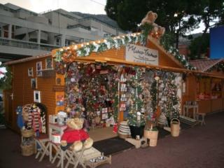 Chalet de vente ouvert marché de Noël