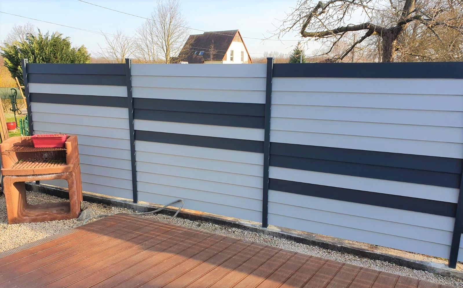 Combinaison de claustras en aluminium, lames en persiennes, décor, personnalisé bicolor RUSTYLE