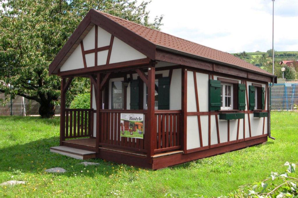 mini-chalet habitable de style alsacien en bois 24m²